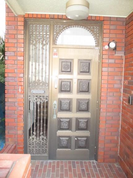 古い玄関ドア