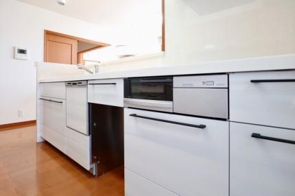 今までと同じプラン・形状で使用感の同じ使いやすいキッチン (2)