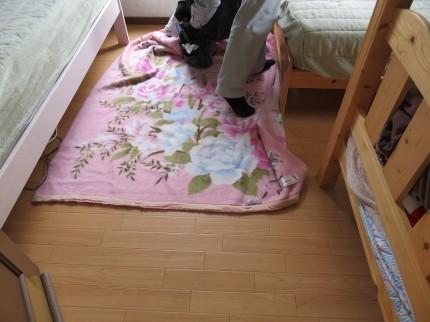 床を毛布養生