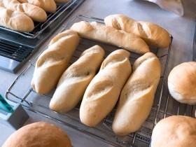 ふっくら美味しそうなフランスパン