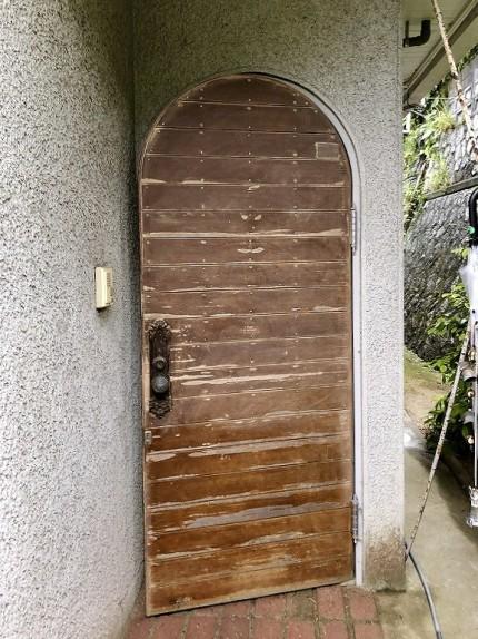 木製玄関ドア塗装前