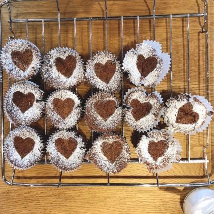 ハート型のチョコケーキ