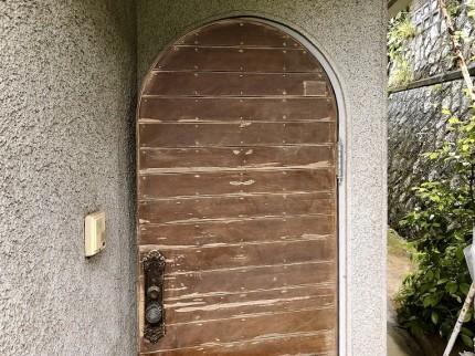 木製玄関ドアケレン中