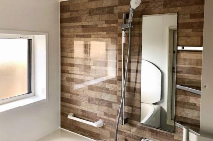 換気暖房機を取り付けた浴室 (1)