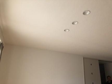 スカイライトチューブ着工前の室内