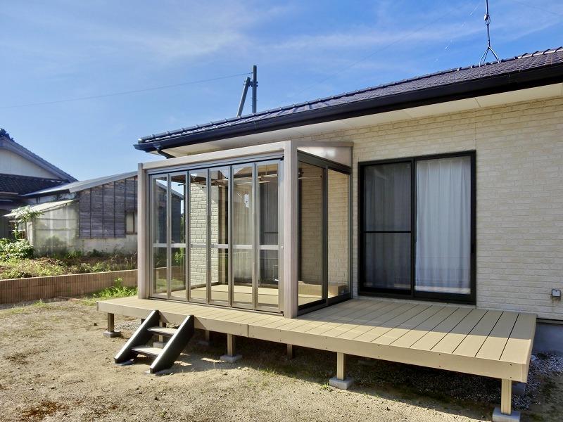 LIXILガーデンルームGFと樹脂デッキ:樹ら楽ステージのある庭②